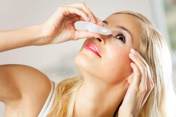 Меры при попадании токсина в глаза