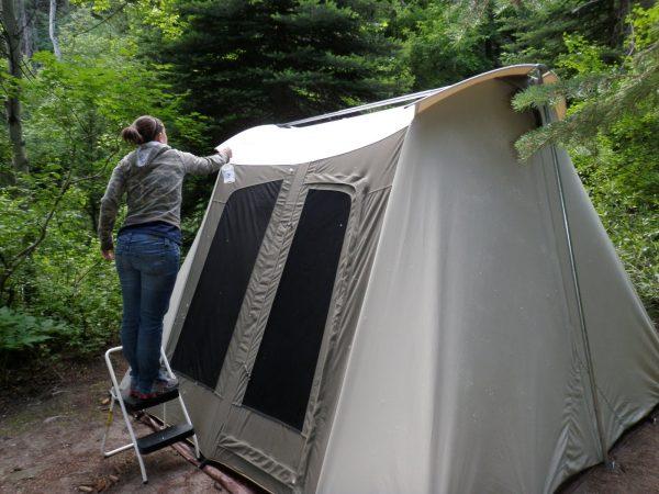 обработка палатки инсектицидом против малярийных комаров