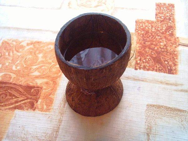 Ваза из кокосовой скорлупы
