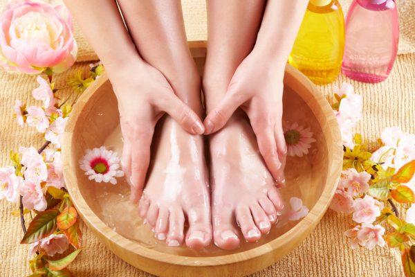 Мытьё ног