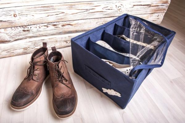 Обувь из кожзаменителя