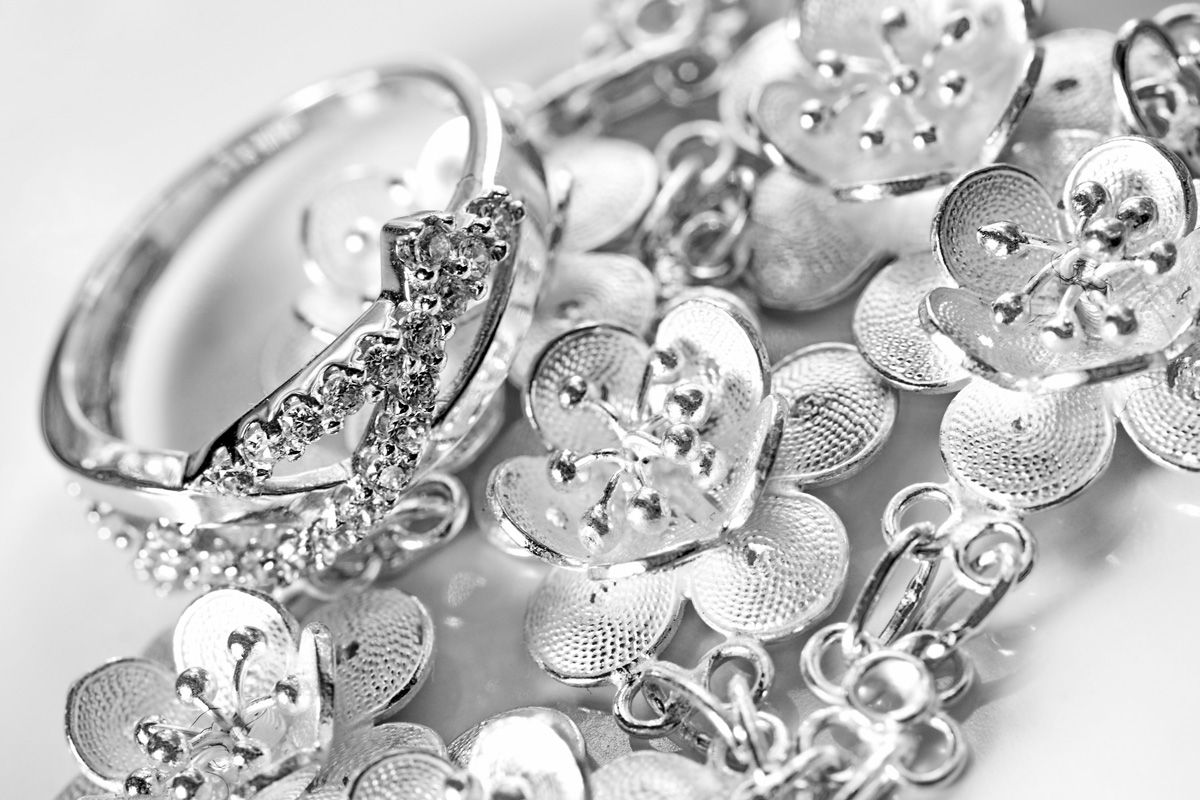 Эффективные способы очищения серебра