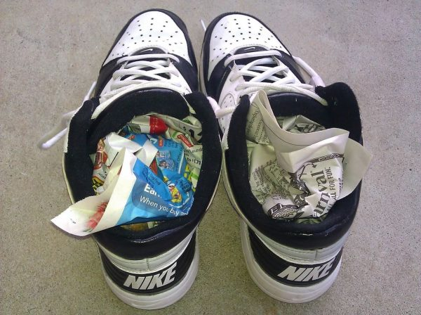 Газета в обуви