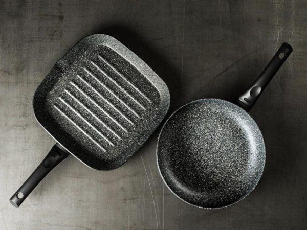 Сковорода-гриль и обычная