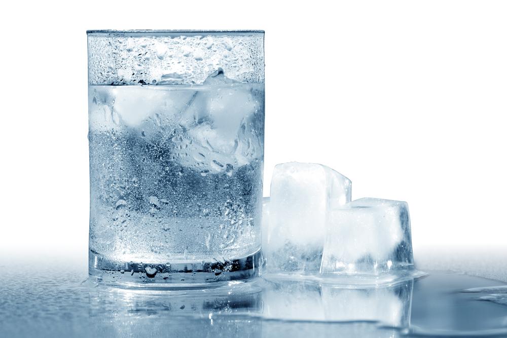 Стакан со льдом картинка