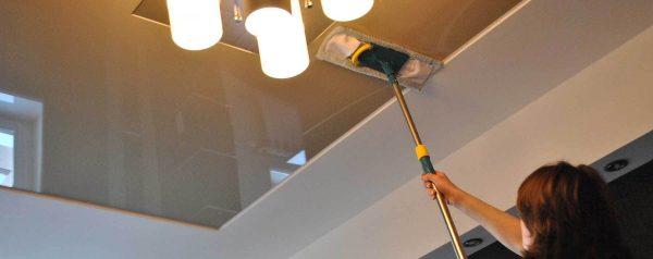 Мытьё потолка