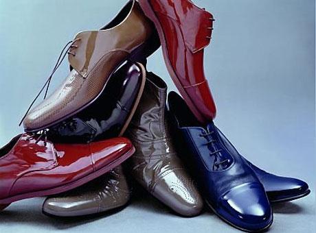 Горка из лаковой обуви