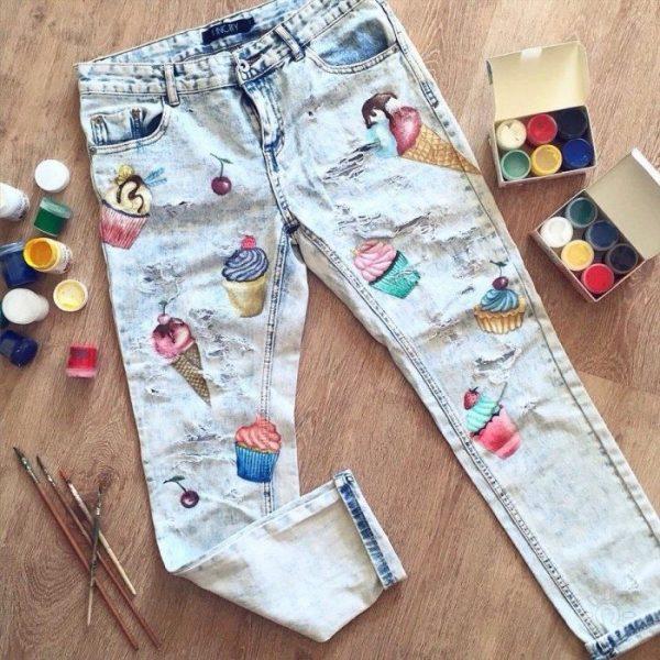 Акриловые рисунки на джинсах