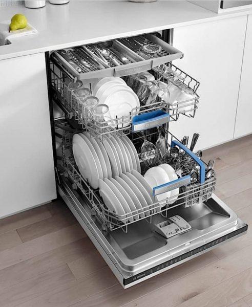 Загрузочная камера посудомоечной машины