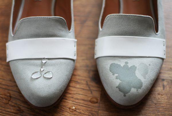 Замшевые туфли и капли воды