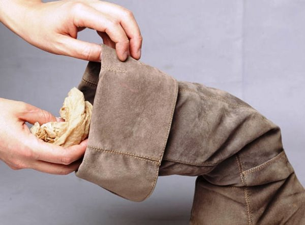 Набивание сапога бумагой
