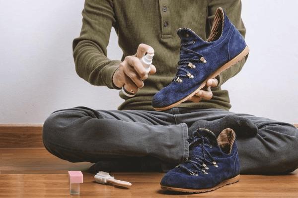 Удобная чистка замшевой обуви