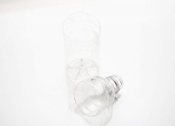 Срезанная верхушка бутылки