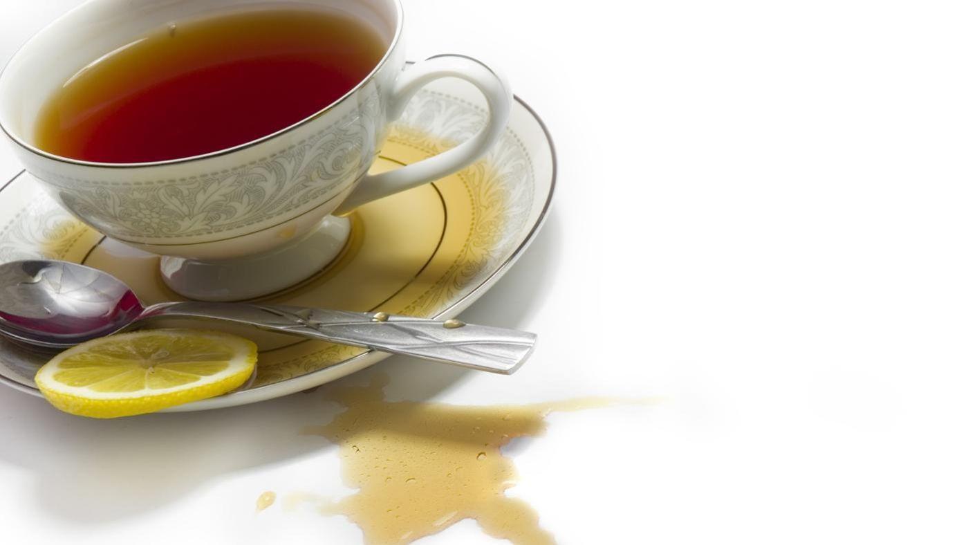 Способы выведения пятна от чая с одежды и других поверхностей