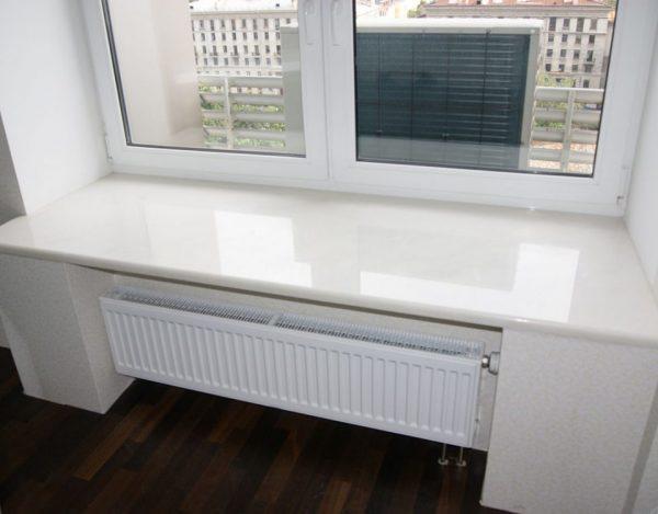 Окна с широким подоконником