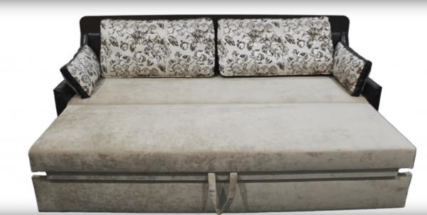 Диван-стол-кровать: положение «кровать»