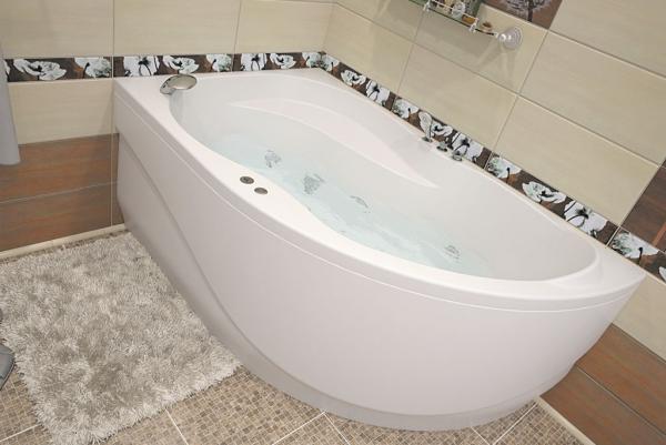 Дизайнерская акриловая ванна