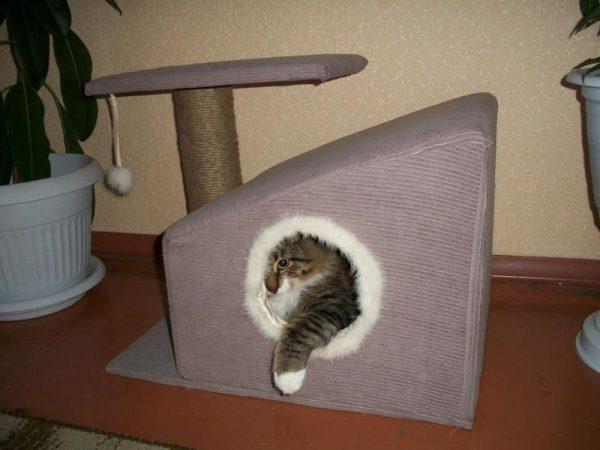 Домик-будка для кошек