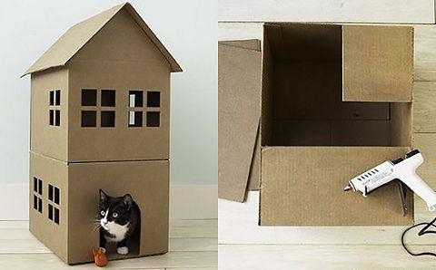 образец картонного домика с крышей в два этажа и 6 окон и коробка с термопистолетом